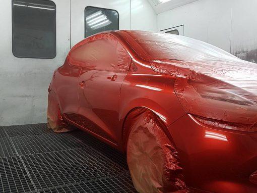 Clio rouge de merde #peinture # teinte de merde #9 couches # quel horreur #vais mourir #achtagg